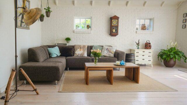https://superweb.com.pl/wp-content/uploads/2020/05/living-room-2732939_1280-2-640x360.jpg