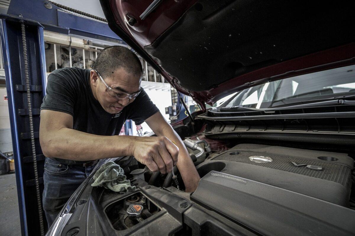 Czy warto inwestować we własny auto serwis?
