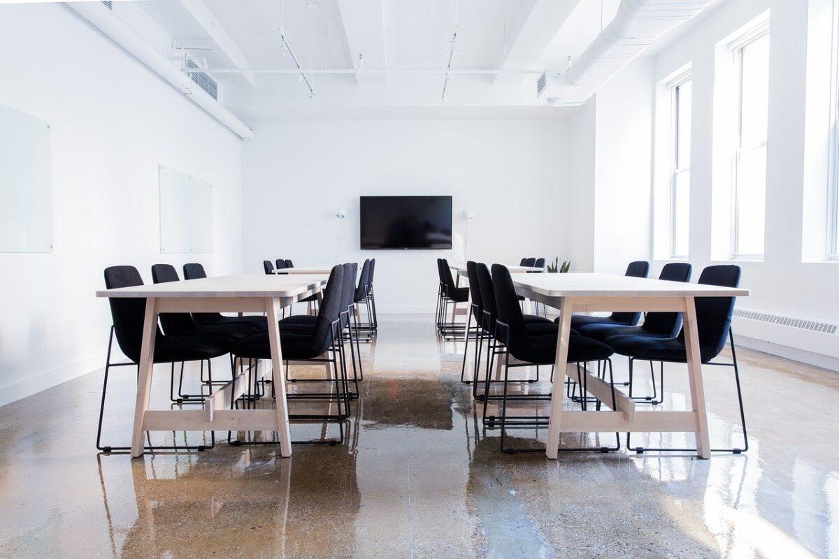 Jak efektownie prowadzić spotkania biznesowe?